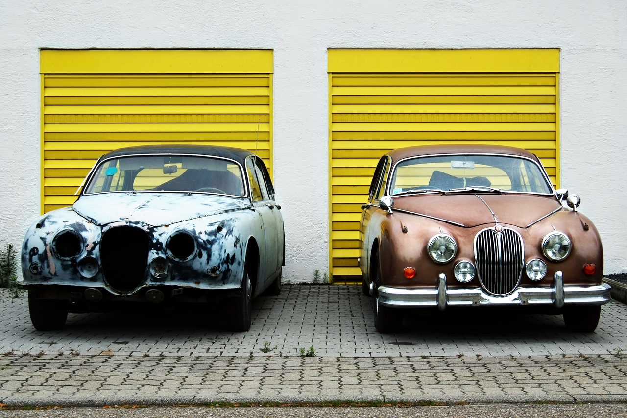 Two Cars Bekaar